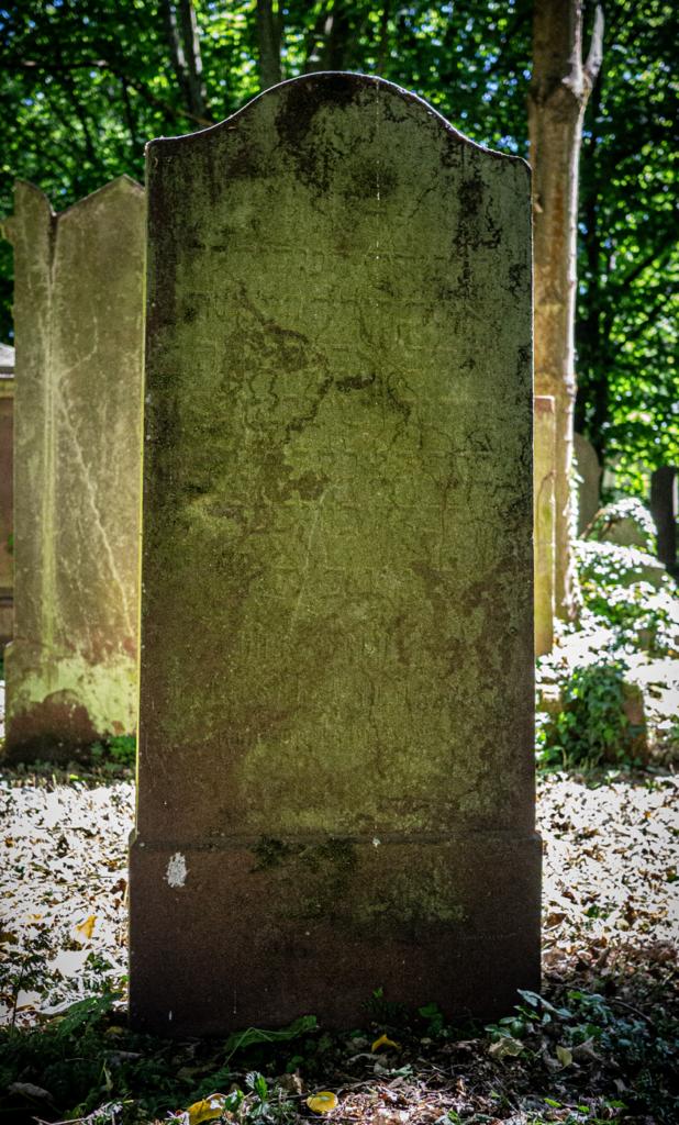 Jüdisches Leben Wiesbaden, Stadtarchiv Wiesbaden, Jüdischer Friedhof